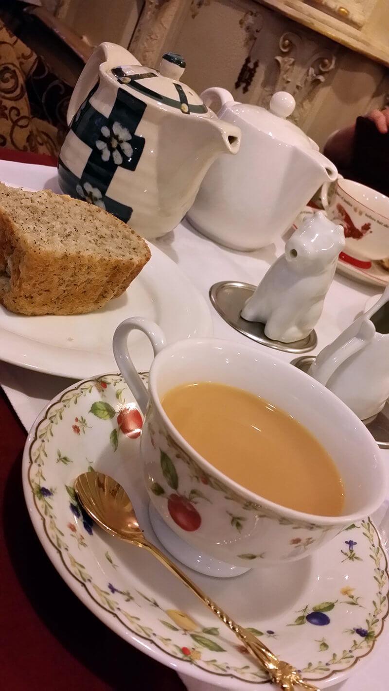ワンダーパーラー ヨークシャーゴールドと例のパン