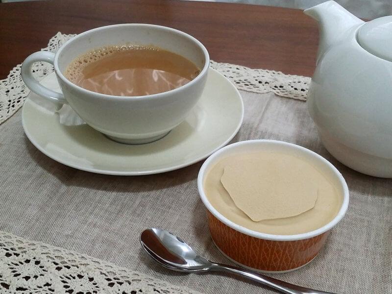 ブンブン紅茶店のアッサムCTC ロイヤルミルクティーとアイスクリーム