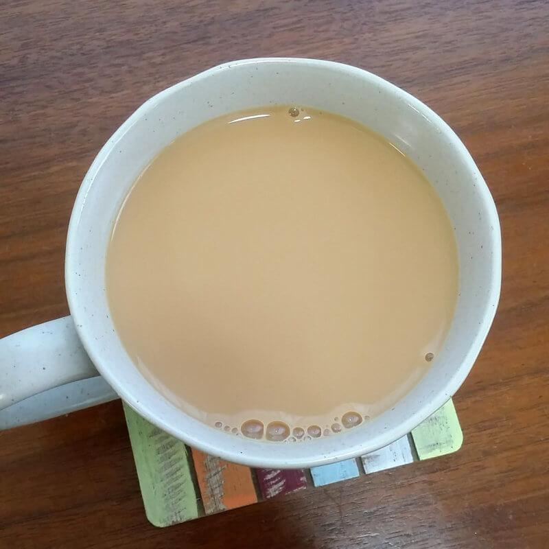 リントンズのゴールド ミルクティー水色