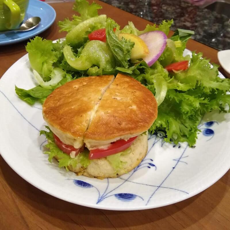 The Tee Tokyo 青のりとモッツァレラチーズのサンドウィッチ