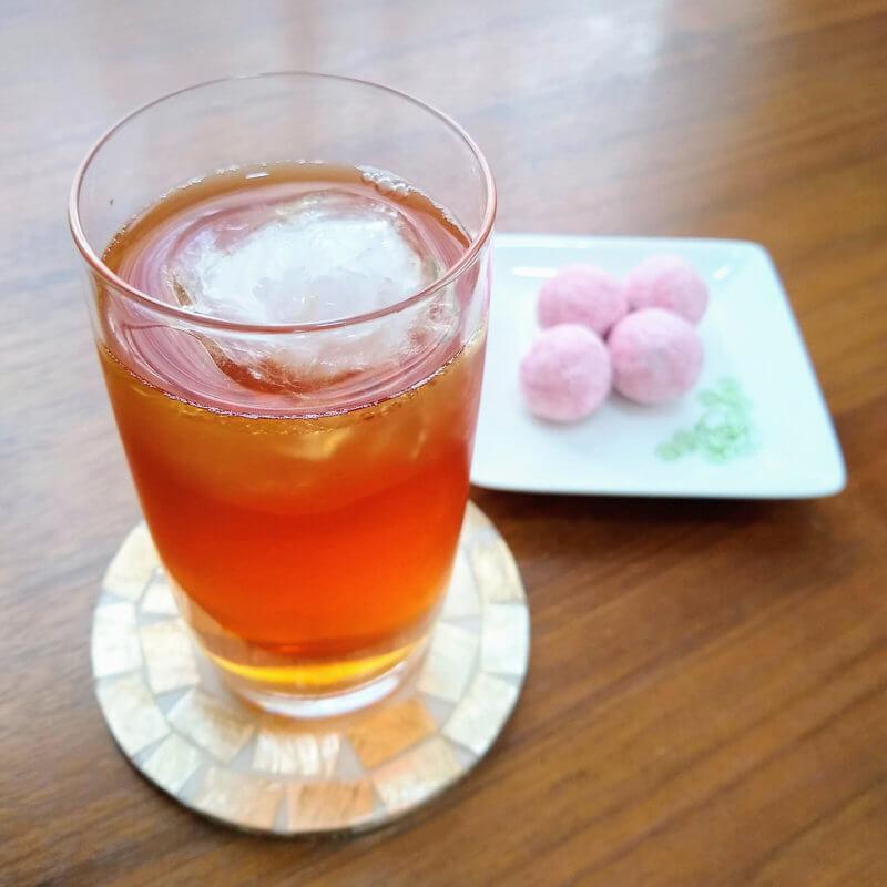 ジュピターの水出し紅茶ダージリンブレンド アーモンドボールと合わせて
