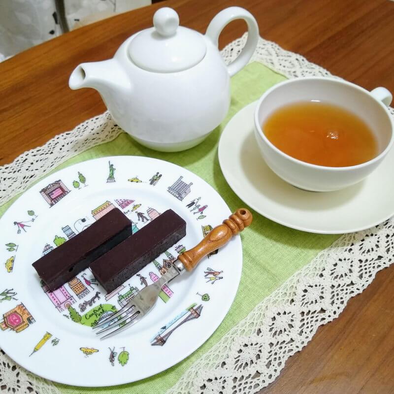 サロン・ド・テ ロザージュのロザージュ チョコレートケーキと合わせて