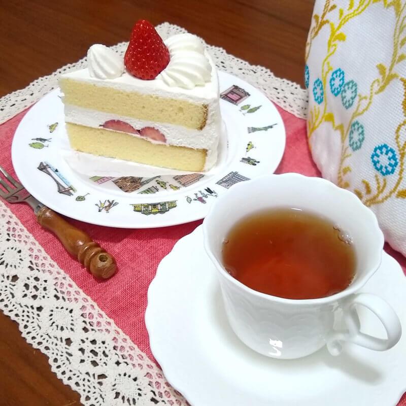 サロン・ド・テ ロザージュのロザージュ 苺のショートケーキと合わせて