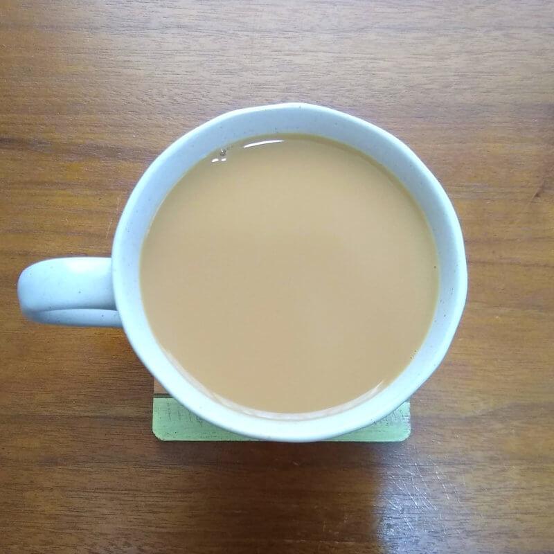 テイラーズオブハロゲイトのヨークシャーティー ミルクティー水色