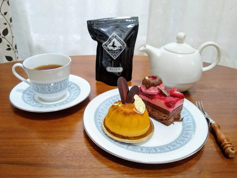 グリーンサムの魔女の紅茶・ブラックカラント パティスリーのケーキと合わせて