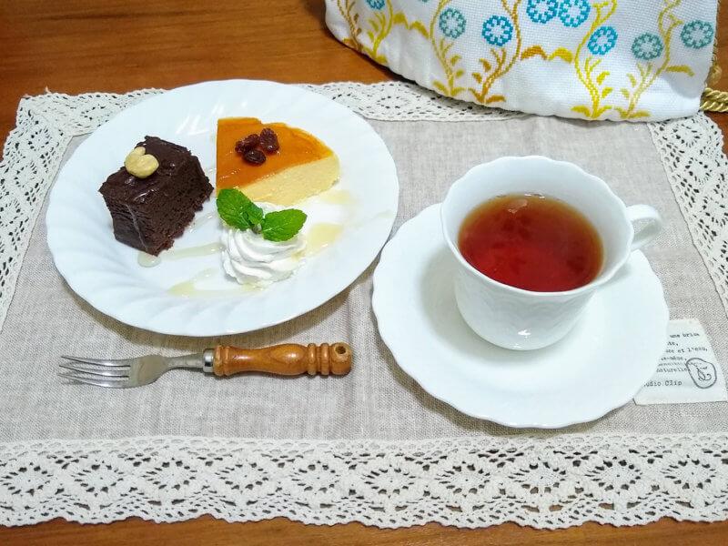 グリーンサムの魔女の紅茶・ブラックカラント カジュアルなケーキと合わせて