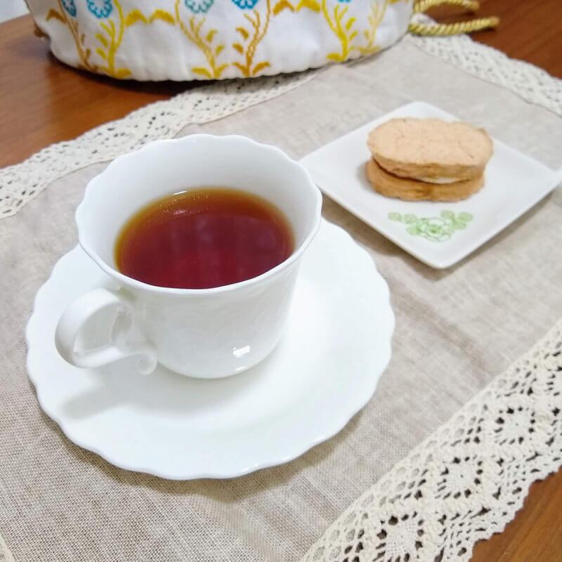 グリーンサムの魔女の紅茶・ブラックカラント ダックワーズと合わせて